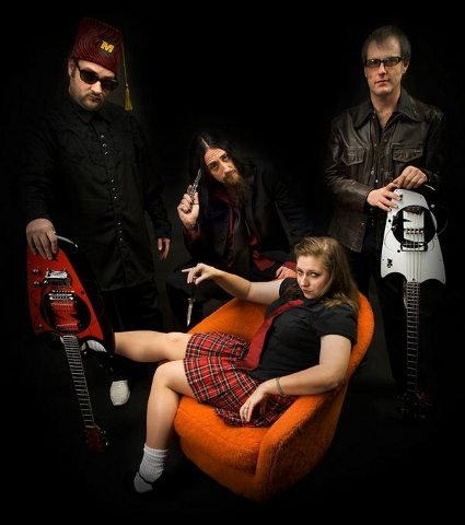 Psychobilly Surf Band: The Malamondos